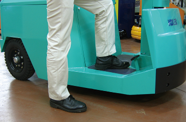 Step height: 305mm for 1t, 2t, 3t trucks. Low-effort to step on and off even in frequent use.